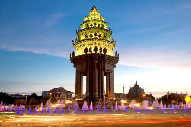 Đài Độc Lập - Du lịch Campuchia 4 ngày 3 đêm