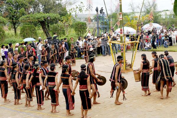 Làng dân tộc Raglay - Nha Trang