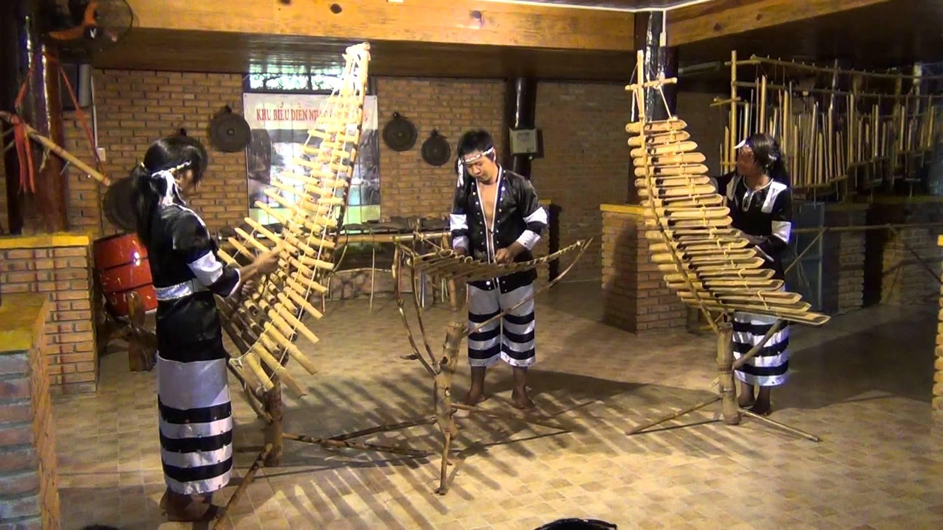Nhà trưng bày nhạc cụ dân tộc - Yang Bay