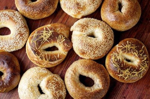 bánh vong bagel - handetour