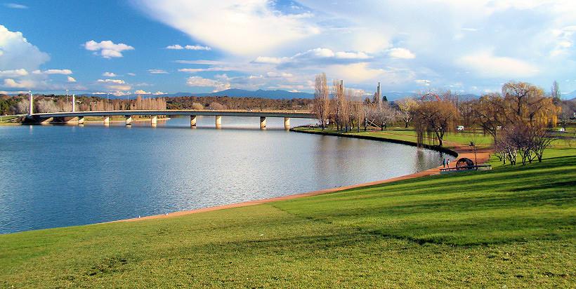 Hồ Burley Griffin - Du lịch Úc 7 ngày 6 đêm