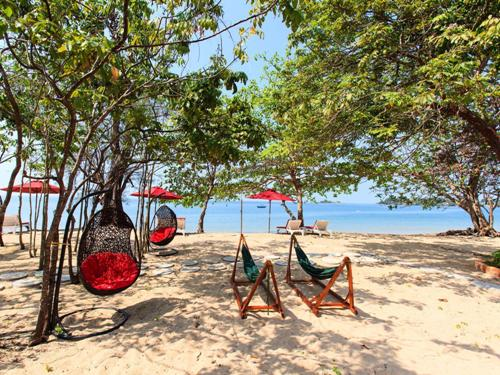 Bãi Biển Vũng Bầu - Địa điểm du lịch Phú Quốc