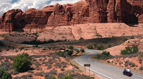 du lịch phượt Mỹ con đường red rock