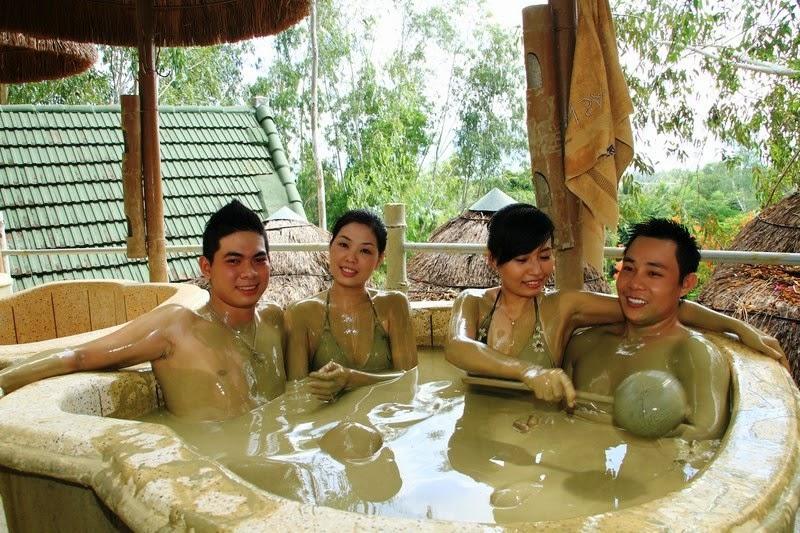 Tắm bùn khoáng - Du lịch Nha Trang 3 ngày 2 đêm