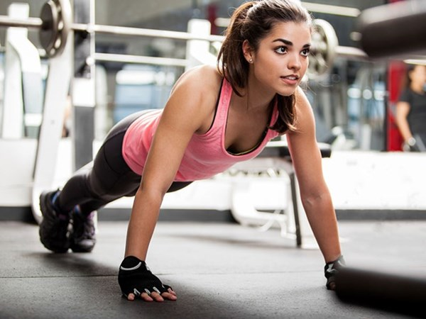 Tập tạ giúp nữ giới khoẻ mạnh, xinh đẹp và tự tin