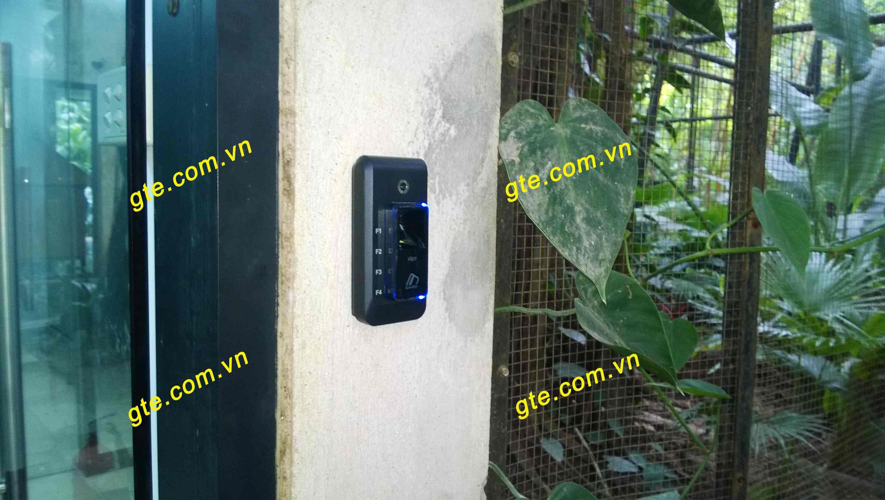 Máy chấm công kiểm soát ra - vào VIRDI AC-F100