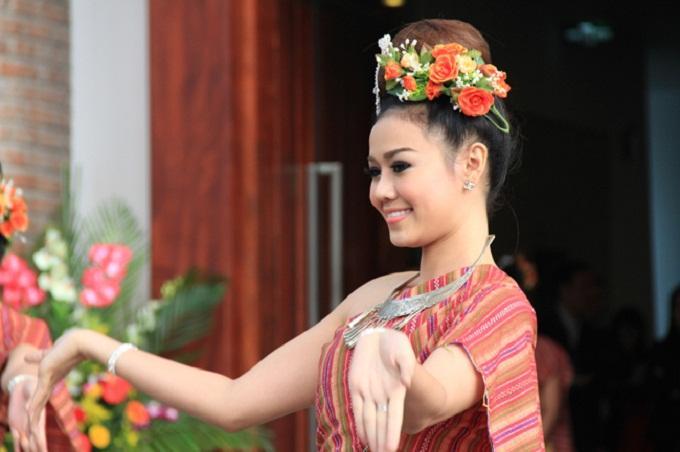 tieng thai du lich