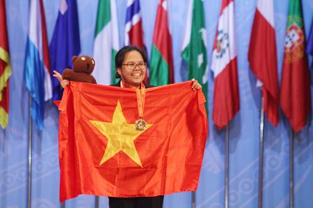 Phạm Mai Phương ngày nhận giải HCV Olympic Hóa học