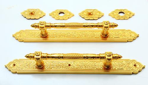 Ảnh chi tiết bộ khoá mạ vàng 48K tôm đại sảnh