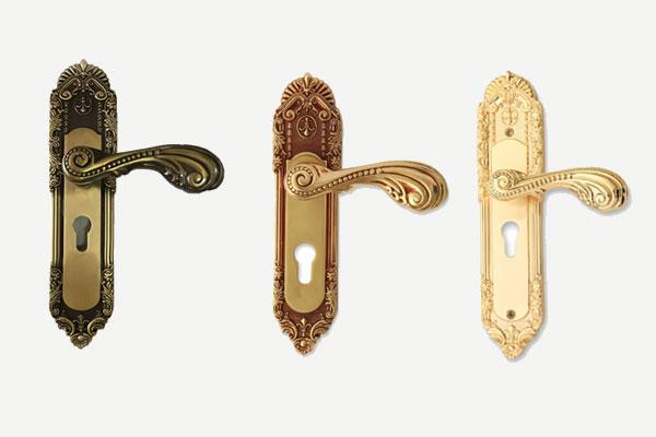 Khoá đồng đúc với 3 màu sắc đồng hoa mai, rêu và mạ vàng 24K đủ cỡ đại, cỡ nhỏ cho cửa ban công, thông phòng, vệ sinh 2