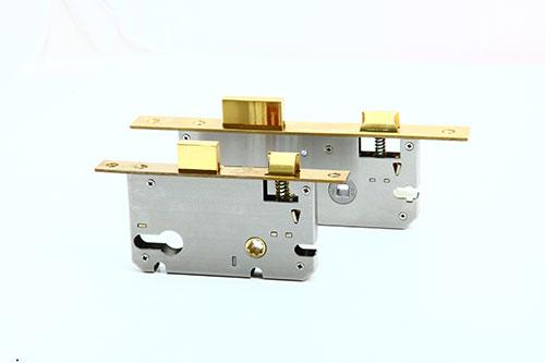 Thân inox 304 của khóa cửa cao cấp Sevendays tránh tình trạng han gỉ có độ bền cao