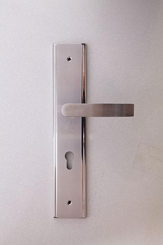 Khóa cửa cao cấp inox Sevendays phù hợp với các công trình mang phong cách hiện đại