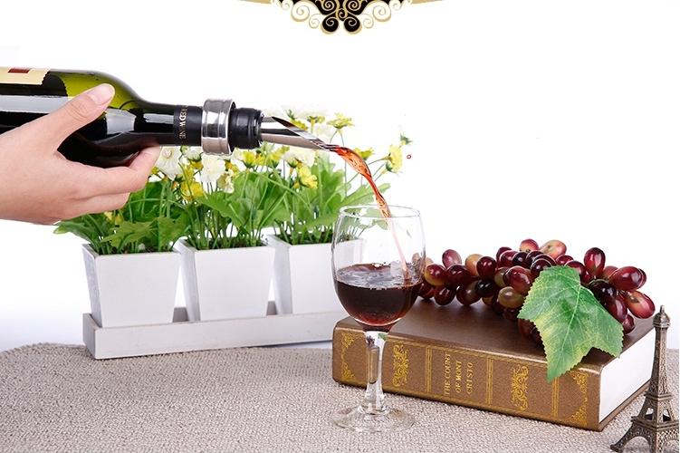 phễu rót rượu vang