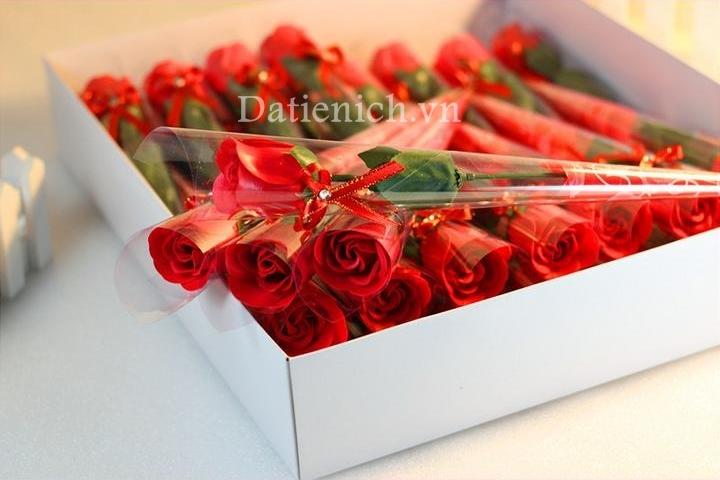Xà phòng hoa hồng đơn màu đỏ