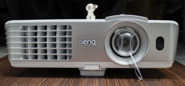 may-chieu-3d-BenQ-W1070-hinh-1