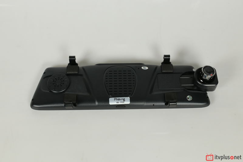 Mặt sau phisung F900