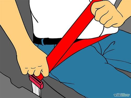 3. Và đừng quên thắt dây an toàn trước khi lái.