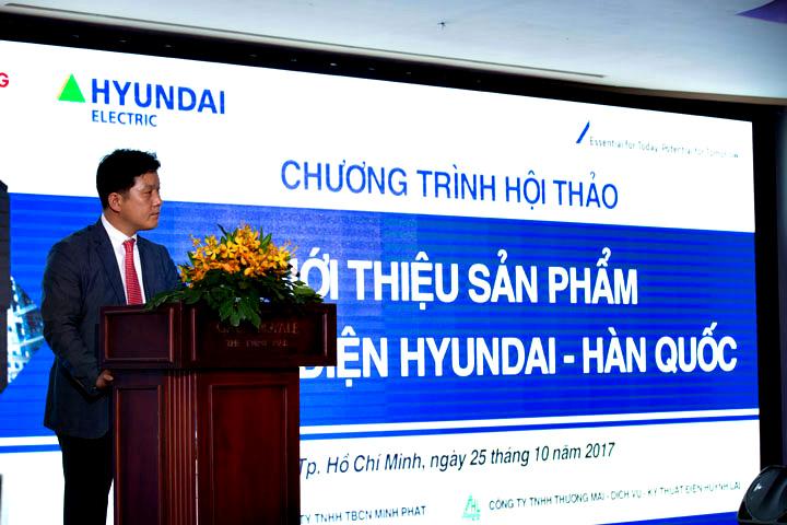 Ông Dong Wook Shin, Tổng giám đốc khối thiết bị đóng cắt, phát biểu cảm ơn khách hàng