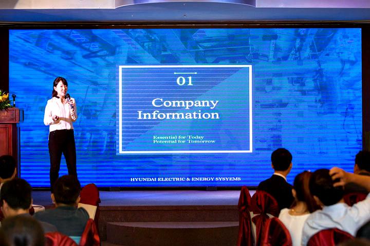 Bà Sohyun Ahn, Giám đốc kinh doanh khu vực Châu Á, giới thiệu về Tập đoàn Hyundai và sản phẩm
