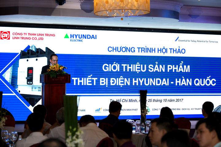 Ông Phạm Hồng Trung phát biểu khai mạc hội thảo