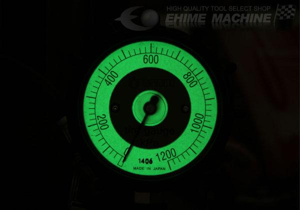 Mặt đồng hồ có phản quang, mặt đồng hồ rộng 80mm, đồng hồ bơm lốp