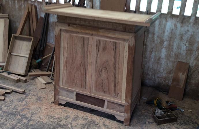 tủ thờ gỗ gụ chữ A đẹp phong cách hiện đại