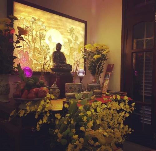 tranh hoa sen đẹp treo phòng thờ