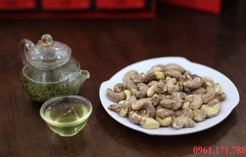 Hạt điều rang muối món ngon và là nét chấm phá của ẩm thực Hà Nội