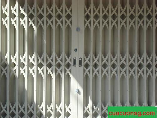 cửa sắt kéo ghi sáng