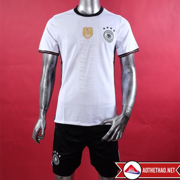 Mặt trước và mặt sau áo bóng đá đội tuyển đức sân nhà Euro 2016