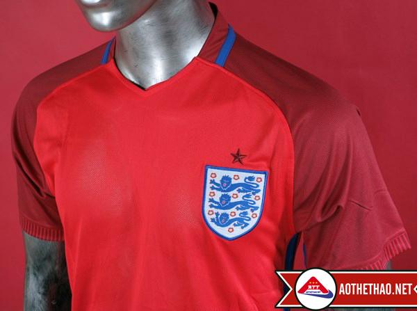 ngực áo bóng đá đội tuyển anh đỏ