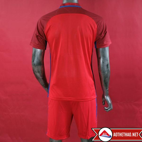 mặt sau áo bóng đá đội tuyển anh đỏ