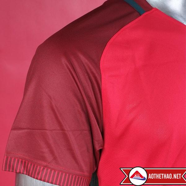 vai áo bồ đào nha đỏ