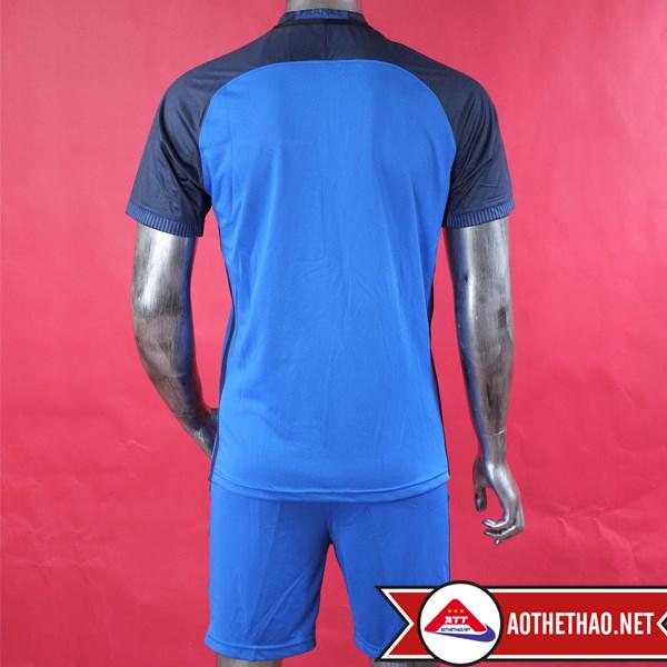Mặt trước và mặt sau áo bóng đá đội tuyển pháp xanh sân nhà không logo