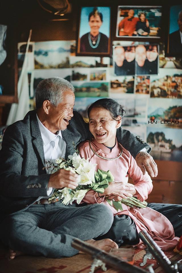 hạnh phúc giản đơn của ông bà già sống 47 năm trên sông nước