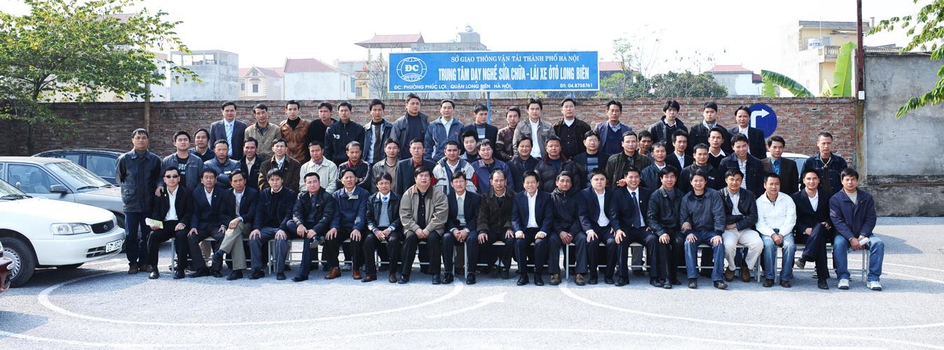 đội ngũ cán bộ giảng viên trung tâm đào tạo lái xe long biên