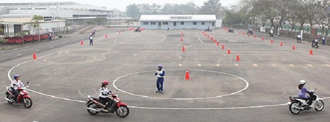 sân tập lái xe máy