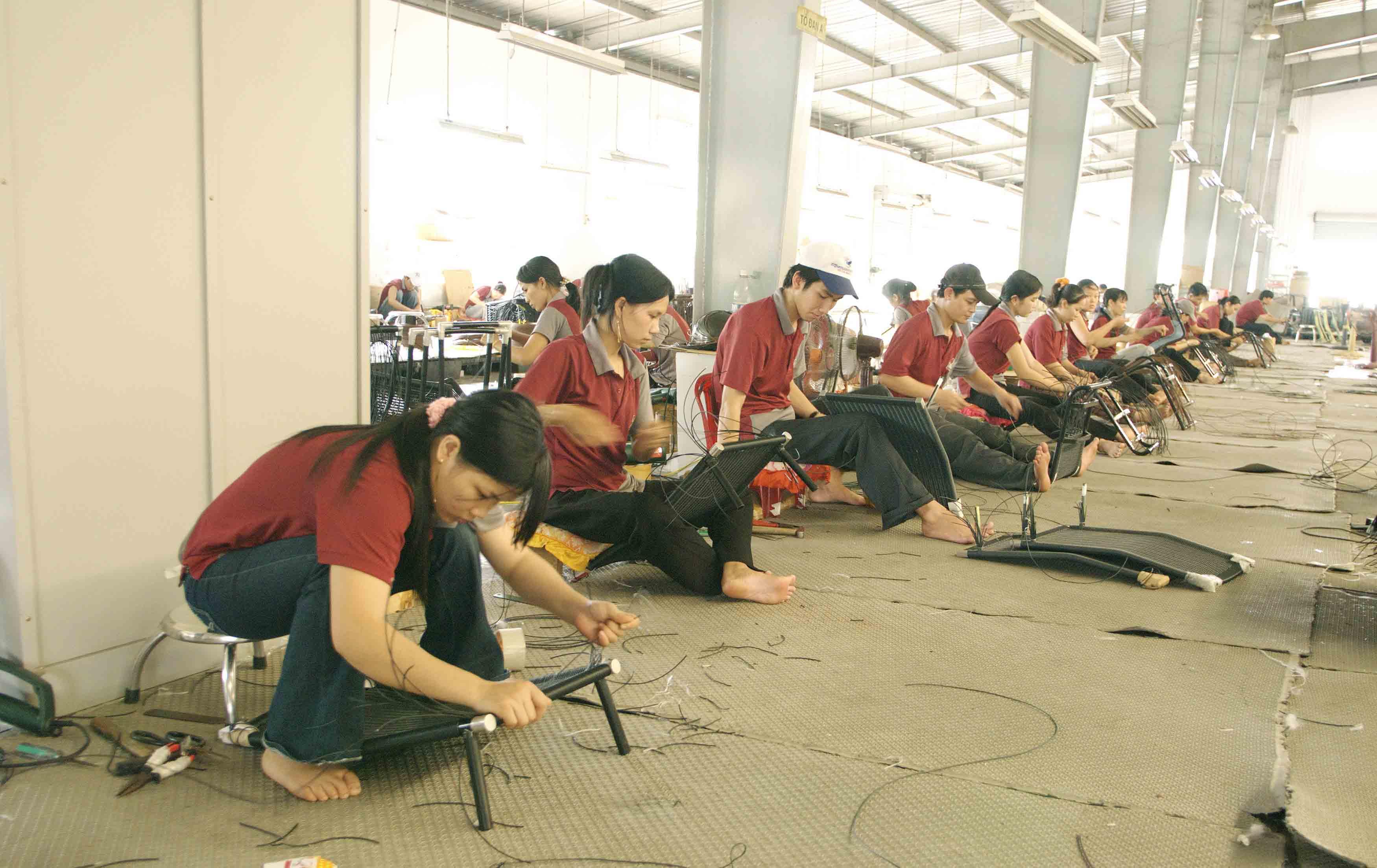 xưởng sản xuất ghế chân quỳ