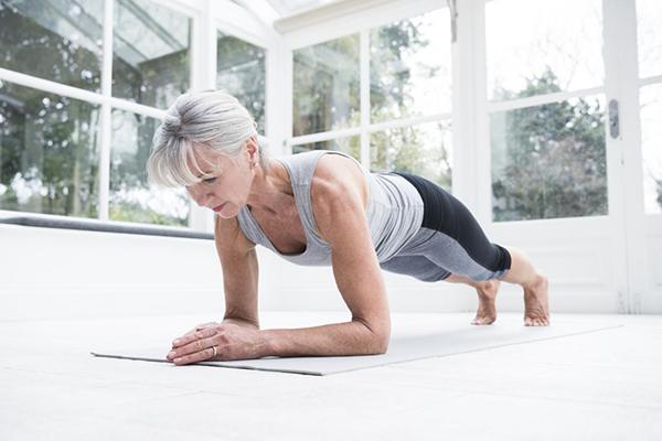 Tập Plank giảm mỡ bụng dưới