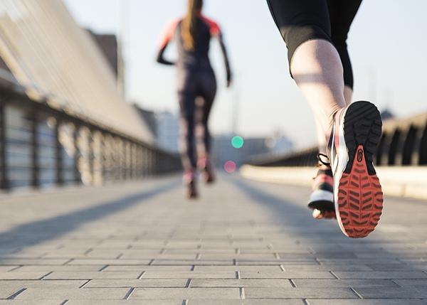 Chạy bộ đúng cách để chân thon