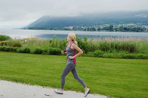 Chạy bộ buổi sáng giúp giảm cân