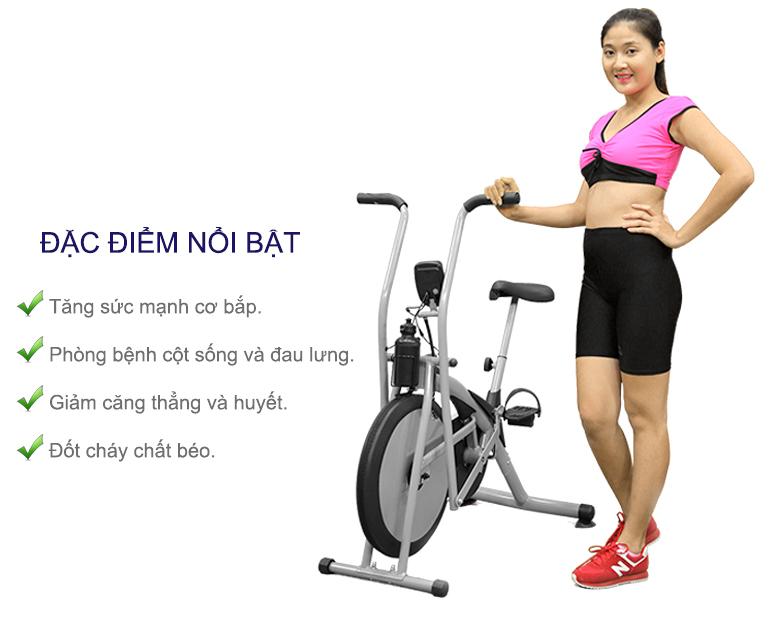 Xe đạp tập thể dục giúp giảm cân, giữ gìn vóc dáng thon gọn.