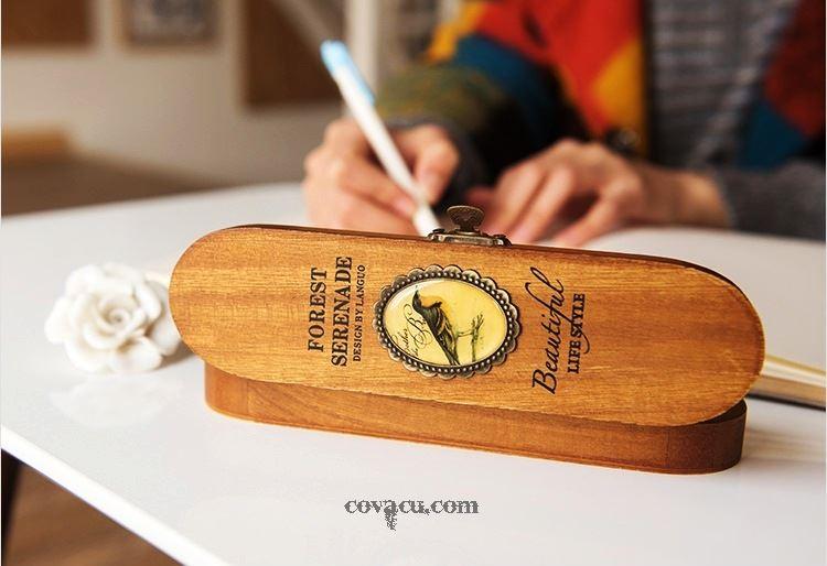 Hộp bút gỗ phù điêu