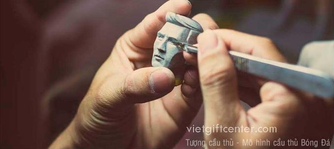 Làm tượng cầu thủ handmade