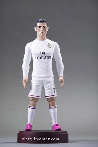 Tượng cầu thủ Ronaldo