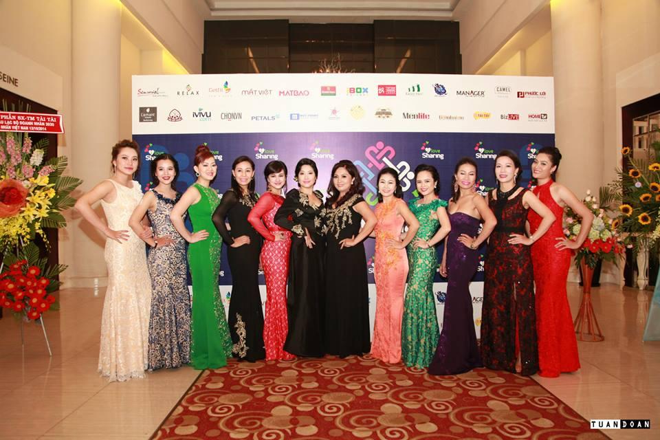 Thời trang Sensorial là nhà tài trợ Kim Cương của chương trình - sự quý phái và lộng lẫy từ các nữ Doanh nhân khi diện trên mình những chiếc đầm dạ hội của Thương hiệu thời trang Sensorial