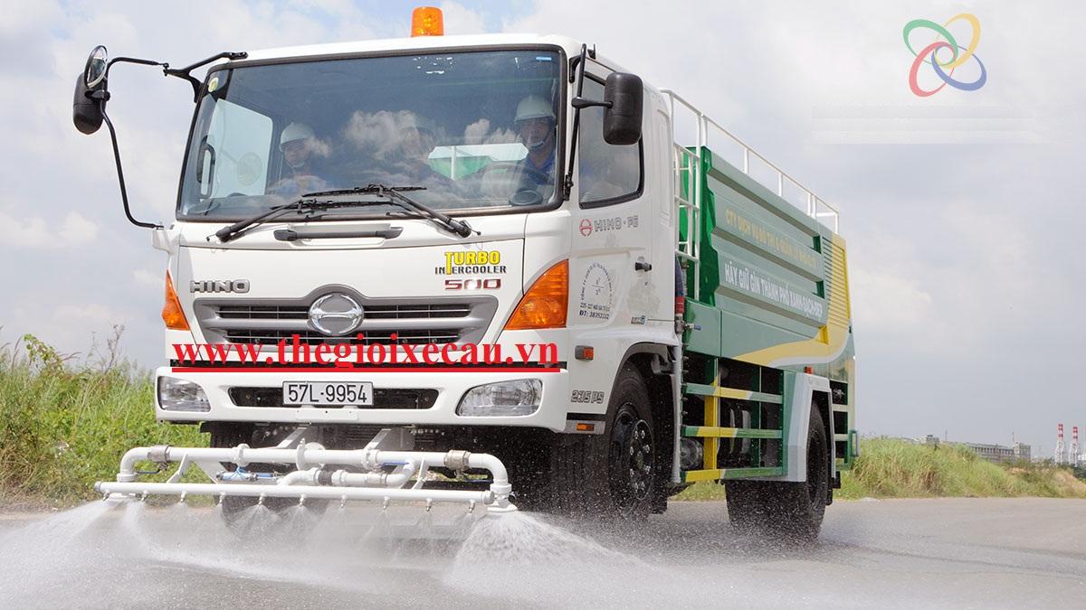 Xe môi trường- xe tưới cây rửa đường