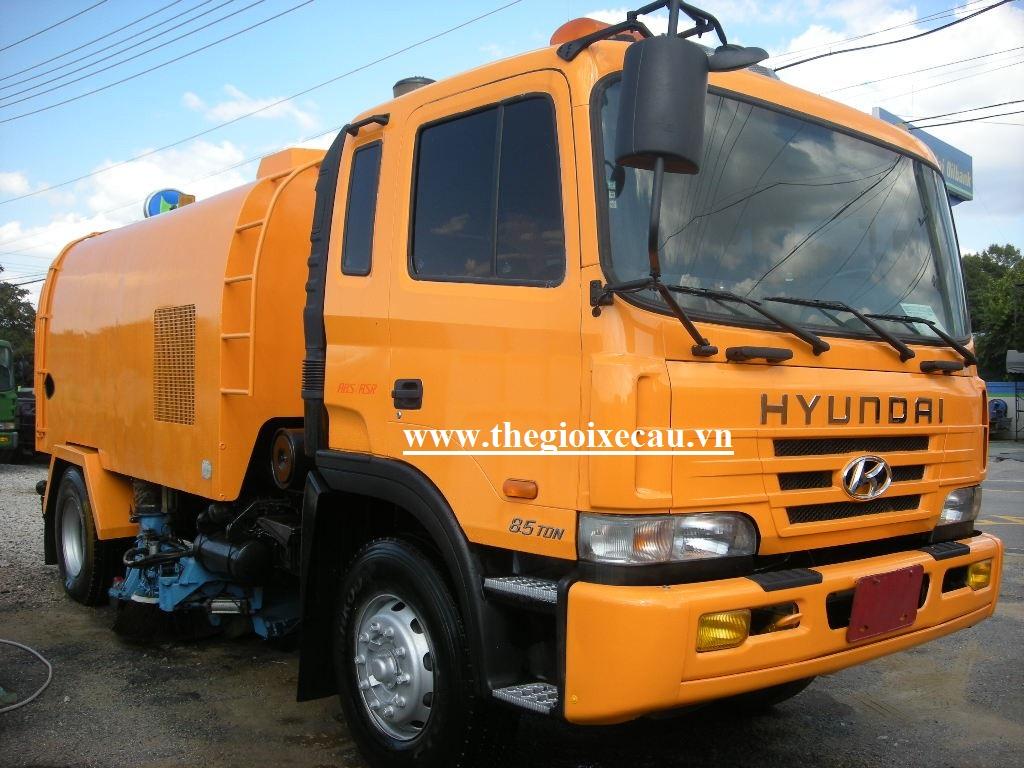 Xe quét đường 6 khối Hyundai