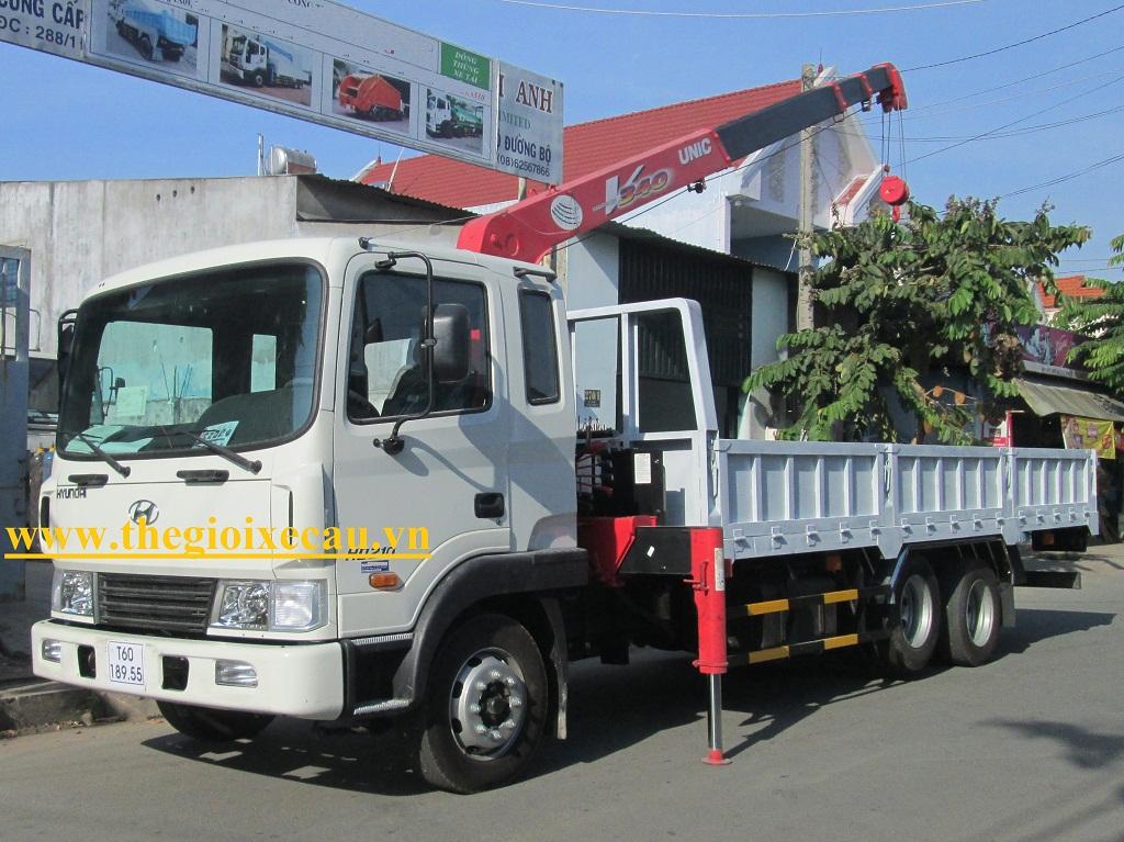 Xe cẩu tự hành Hyundai HD210 gắn cẩu unic 3 tấn