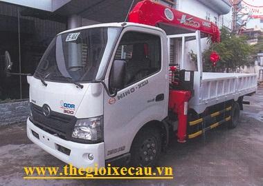Xe tải Hino XZU720 gắn cẩu Unic 3 tấn 5 đốt UR-V345